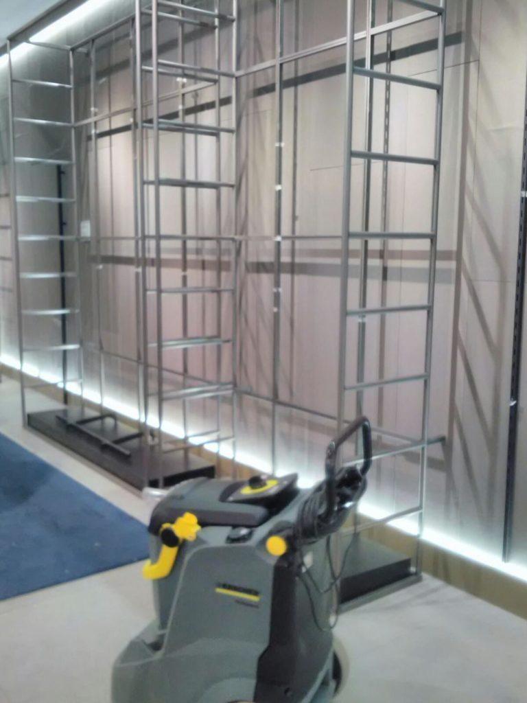 Limpieza de paredes enteladas para Administraciones Publicas y Empresas